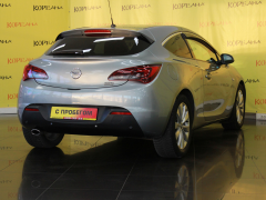 Фото 4 - Opel Astra J Рестайлинг 2011 г.